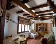 casa-rural-pernales-salon-2